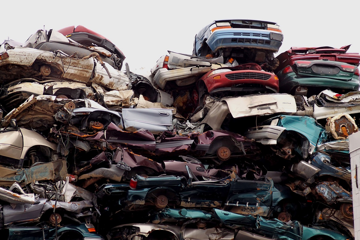 Car in Junk Yard | Car Insurance Blog | Hippo.co.za
